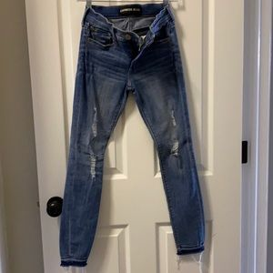 Cropped legging mid rise distressed jeans
